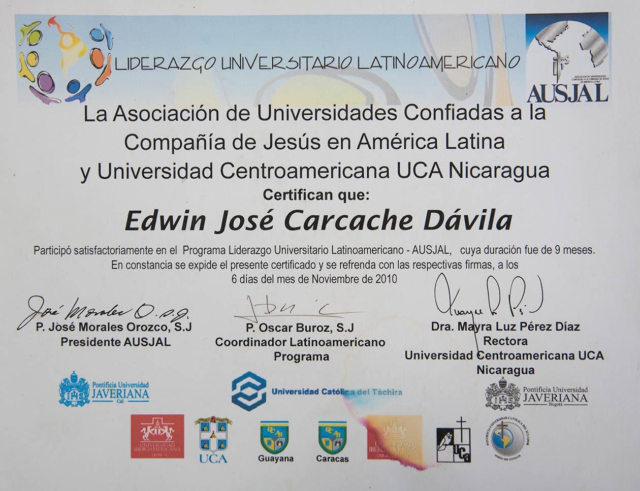 Durante sus primera carrera, Edwin Carcache, participó en programas de liderazgo, pastoral juvenil e investigaciones. Foto: Cortesía | Niú