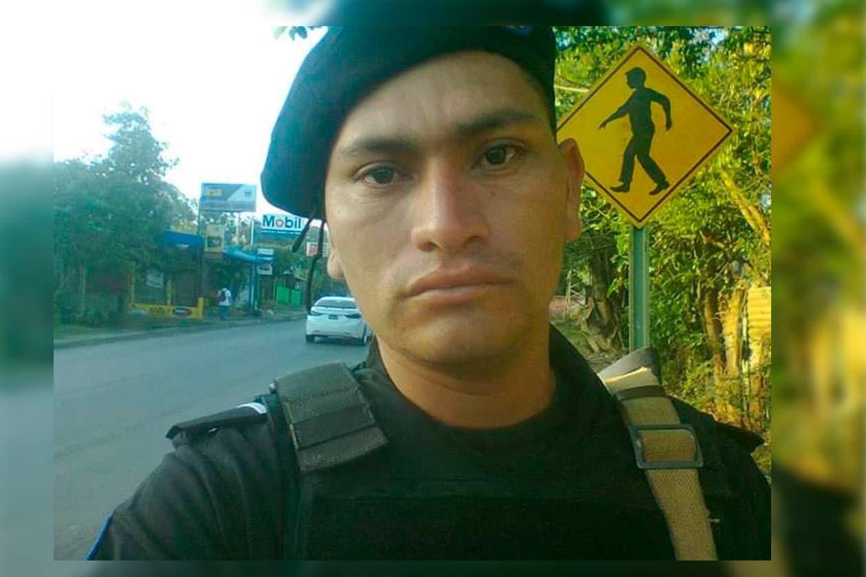 Julio César Espinoza se integró como suboficial de la DOEP hace cinco años. Cortesía   Confidencial