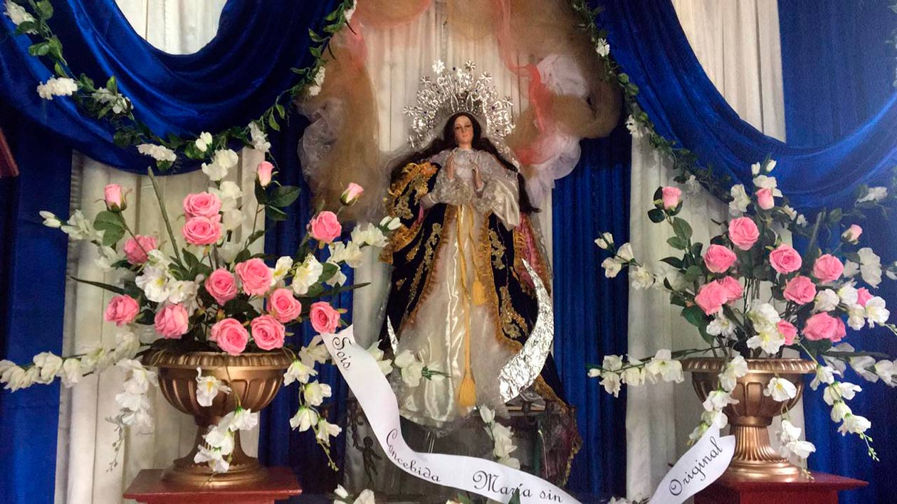"""Altares """"vandálicos"""" para la gritería de una Nicaragua en crisis"""