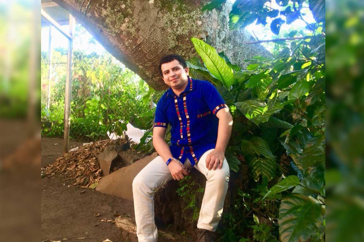 Marlon Howklin es originario de La Cruz de Río Grande, Región Autónoma de la Costa Caribe Sur en Nicaragua. Él logró graduarse de la carrera de Sociología gracias a una beca en la UCA. Cortesía | Niú