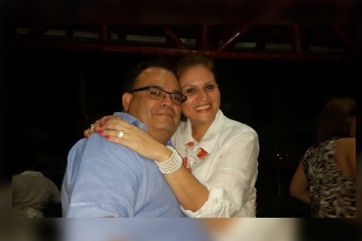 Roberto Estrada junto a Sarybel Abad. Foto tomada de Facebook | Niú