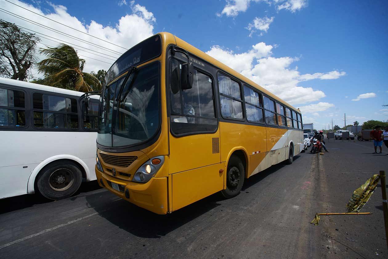 Este bus fue un señuelo para alejar a los periodistas. Carlos Herrera | Niú