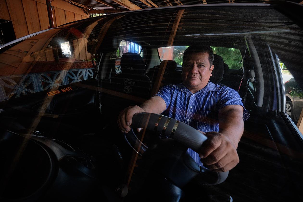 Antes de ser taxista don Marlon Castro era contador comercial. Carlos Herrera | Niú