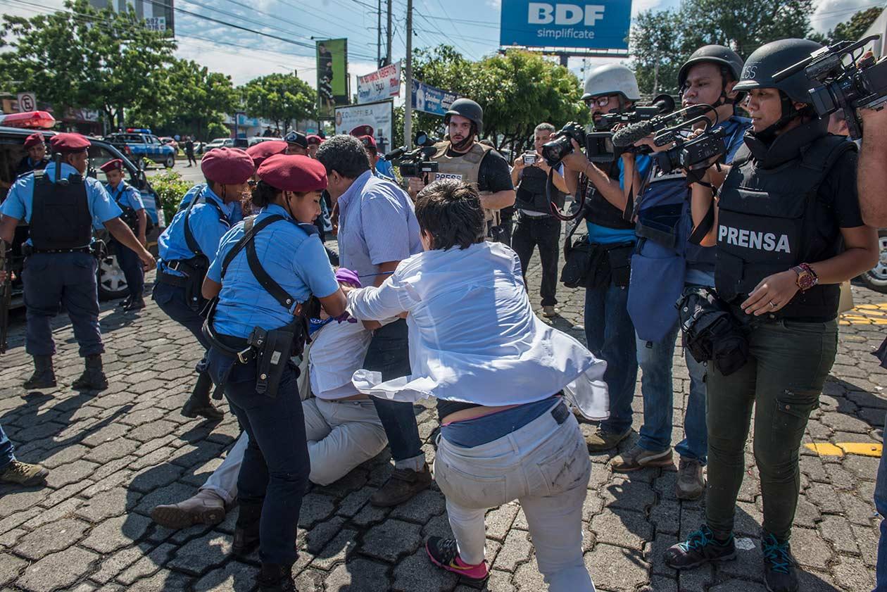 La periodista Reneé Ramos ha sido ha sido difamada en redes sociales por hacer su trabajo. Cortesía   Niú