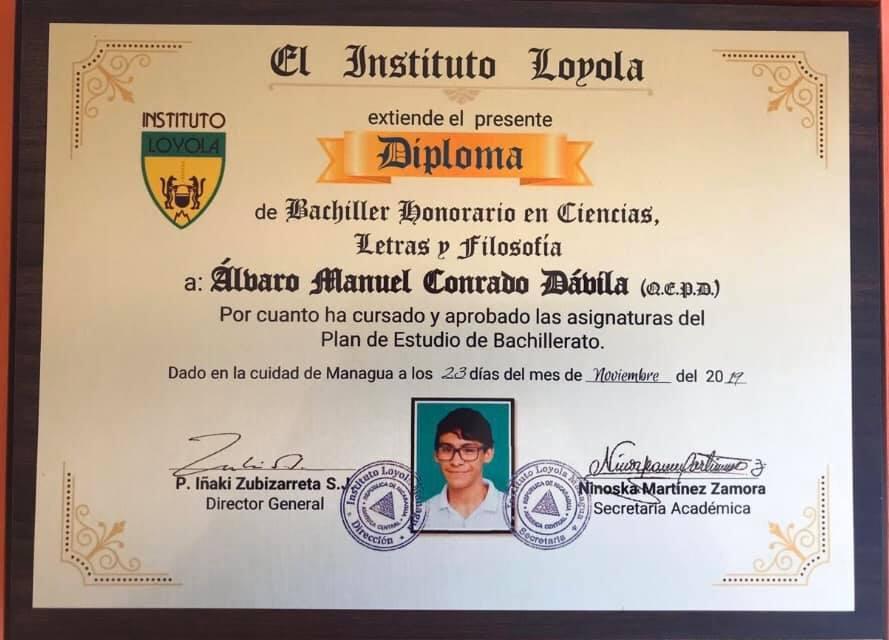 Diploma de Álvaro Conrado