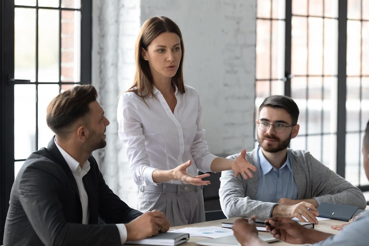 Mujeres en puestos de dirección